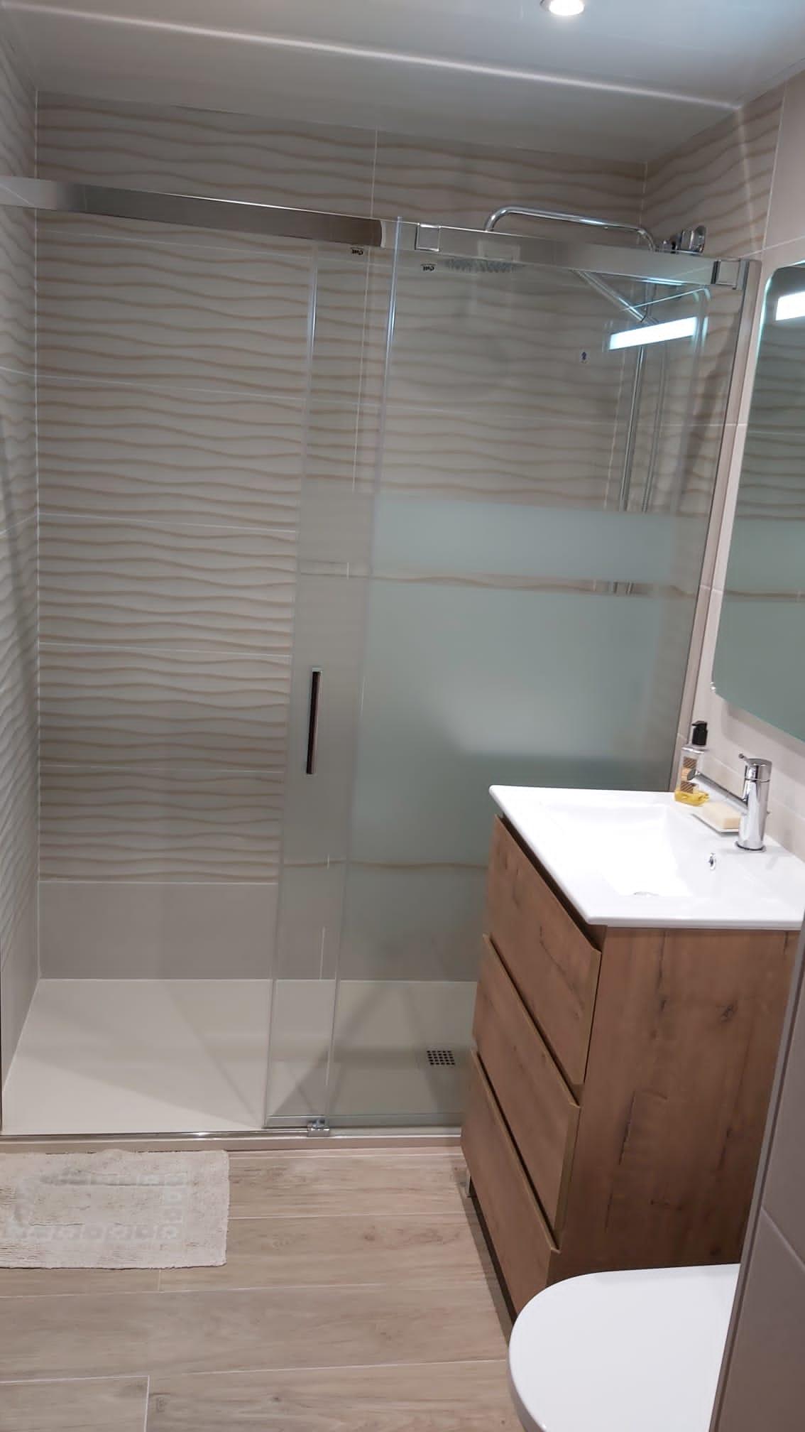 reforma baño san feliu llobregat
